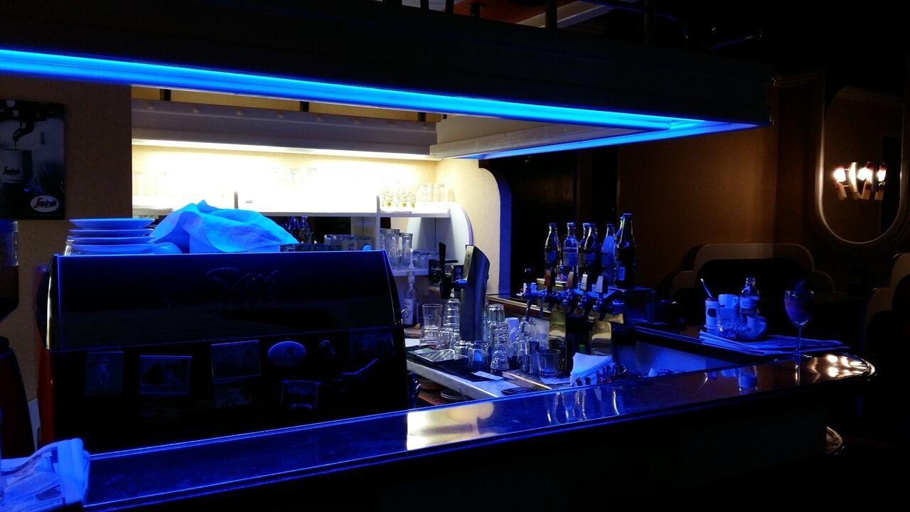 LED szalag bárpult világítás