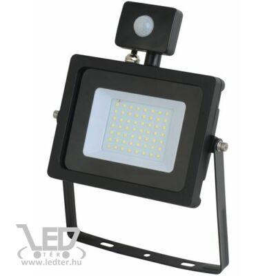 Középfehér-4000K 30W=250W 2620 lumen Mozgásérzékelős LED reflektor