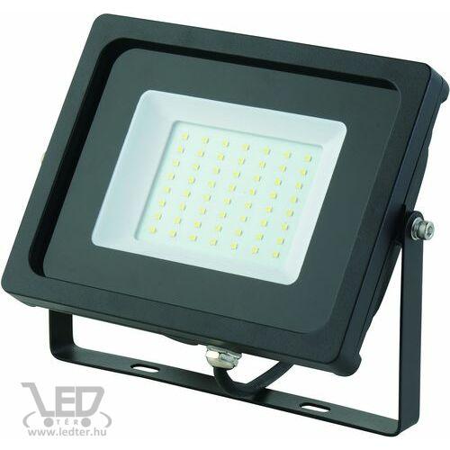 Normál LED reflektor melegfehér 50W 4200 lumen