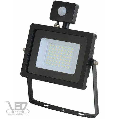 Mozgásérzékelős LED reflektor középfehér 30W 2620 lumen