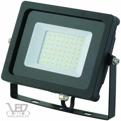 Középfehér-4000K 30W=250W 2620 lumen Normál LED reflektor
